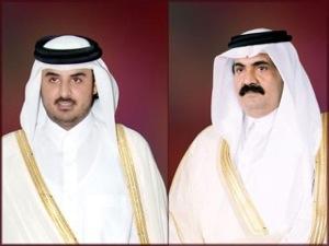 """أمير قطر يقرر تسليم السلطة إلى نجله """"تميم"""""""